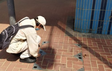2020年05月10日 食環署渠蓋貼防水膠紙預防蚊子滋生