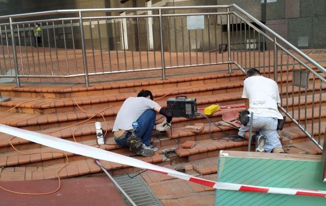 2020年10月19日 維修荷理活廣場外地磚